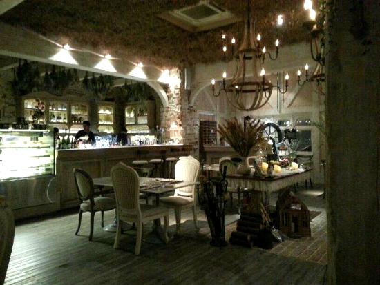 Parlour Restaurant & Bar (Bangkok)