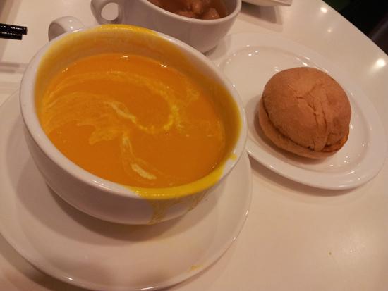 Tsui Wah Restaurant - Pumpkin Soup